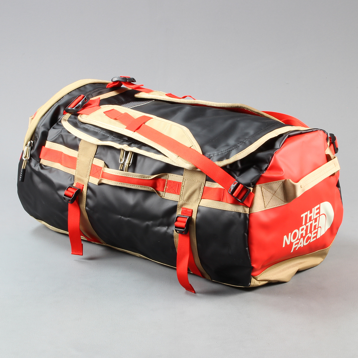 7ef834dbf The North Face Mens 71 Litre Duffel Bag Base Camp Fiery Red £59.15