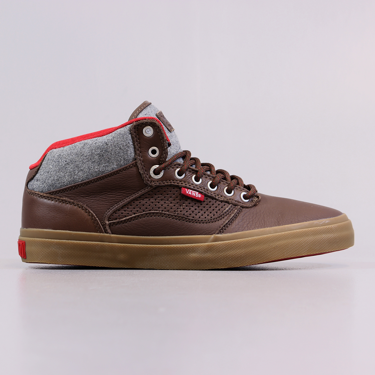 da83339cd9 Vans Off The Wall Mid Top Bedford Brown Leather Skate Shoes £45.00