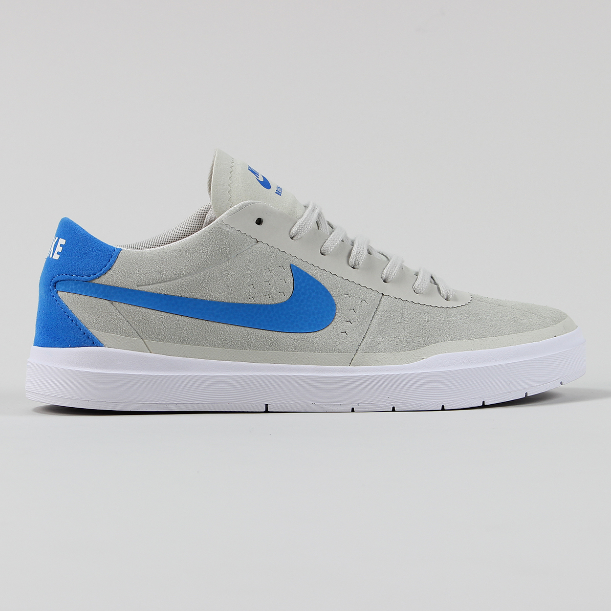 1453498dc642 Nike SB Skateboarding Bruin Hyperfeel Trainer Shoes White Blue £48.75