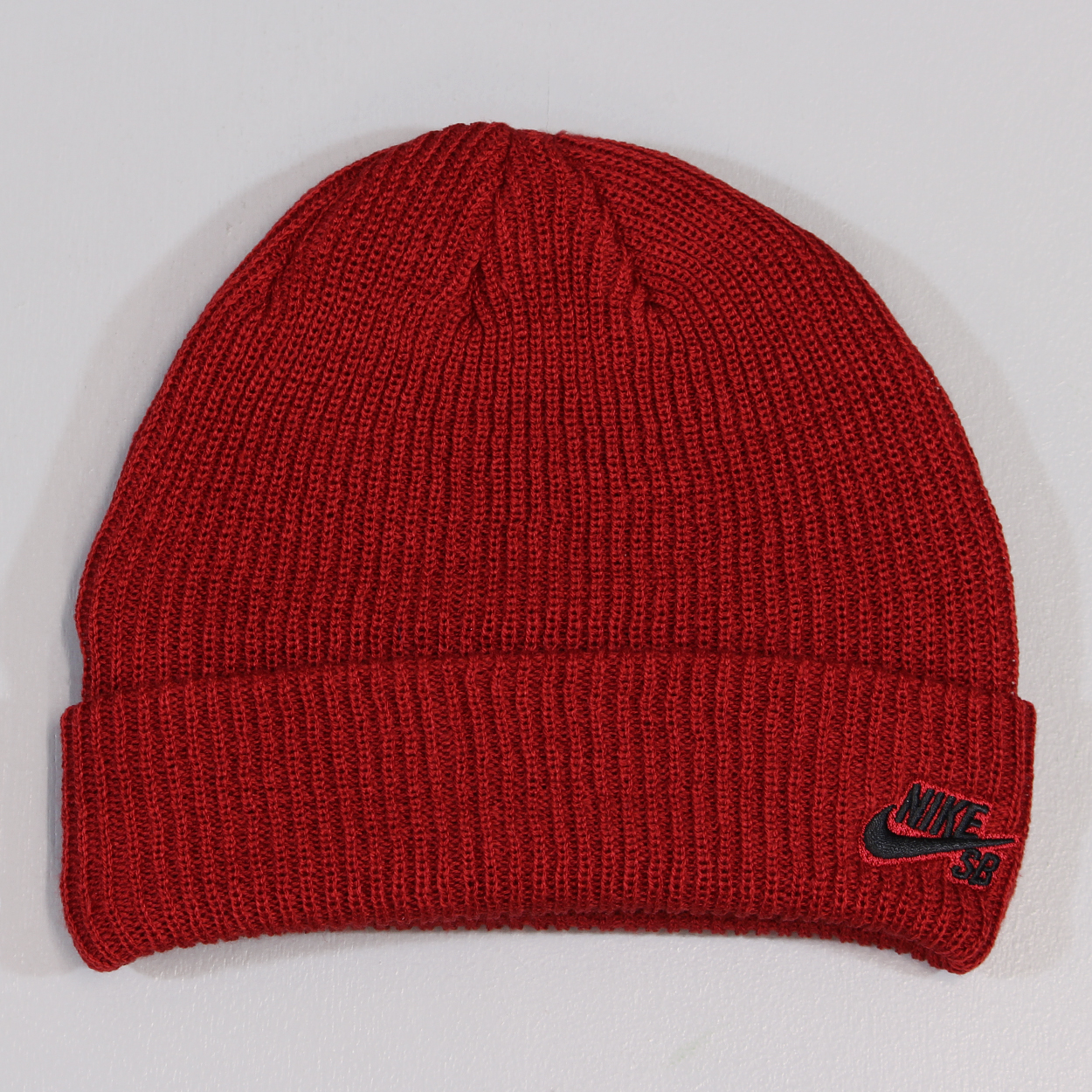 outlet store cd30e d669f Nike SB Fisherman Beanie Gym Red