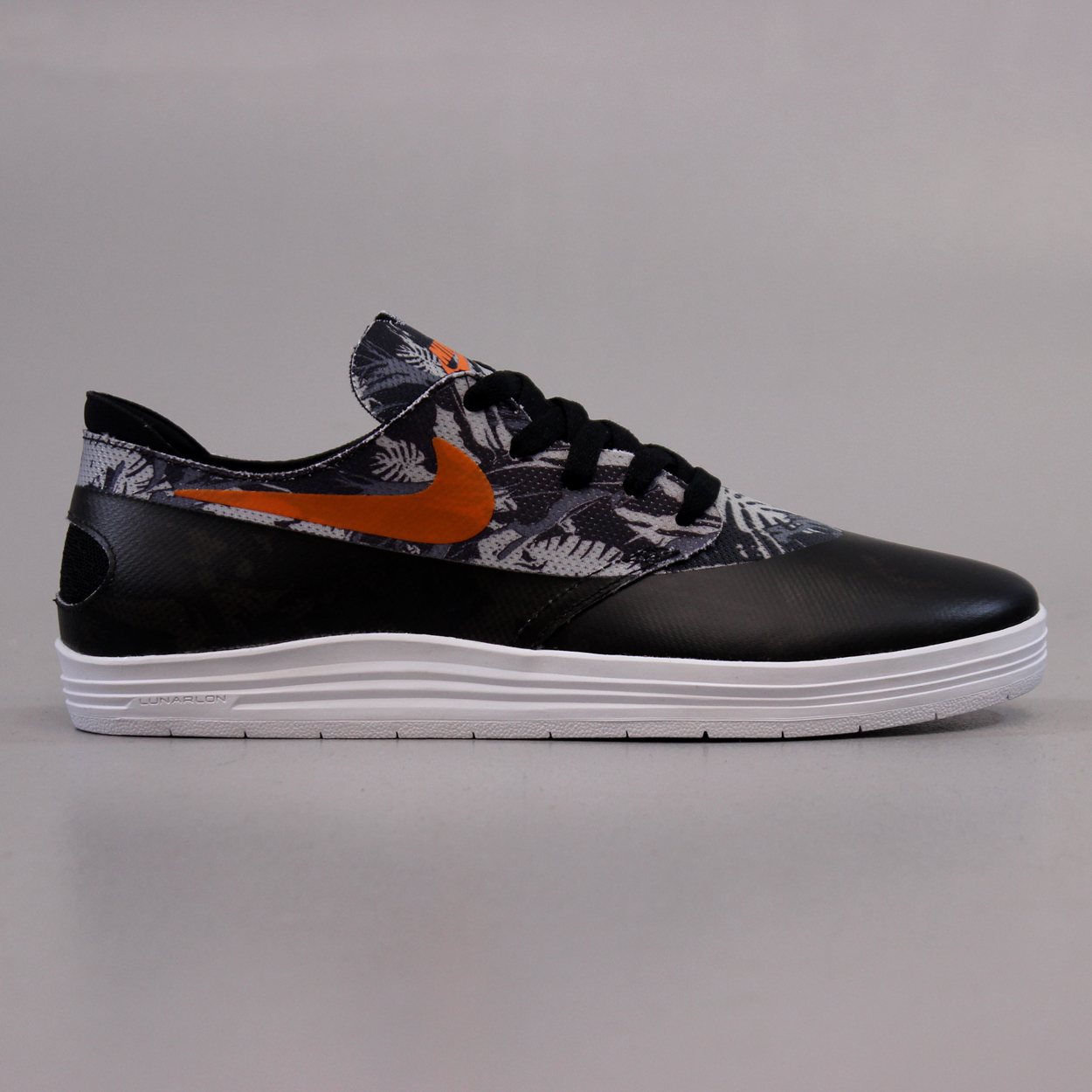 official photos 9b25f 59dfd Nike SB Lunar Oneshot World Cup Shoes Black Safety Orange
