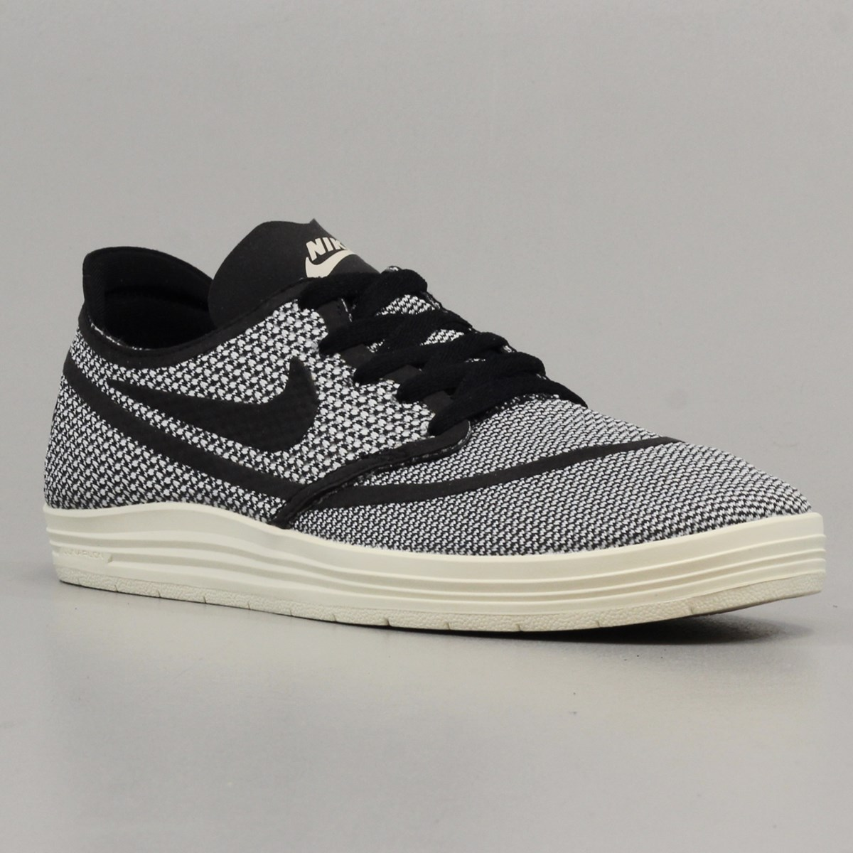 nike sb baskets lunar oneshot rr black 41 nike 10k short de course. Black Bedroom Furniture Sets. Home Design Ideas