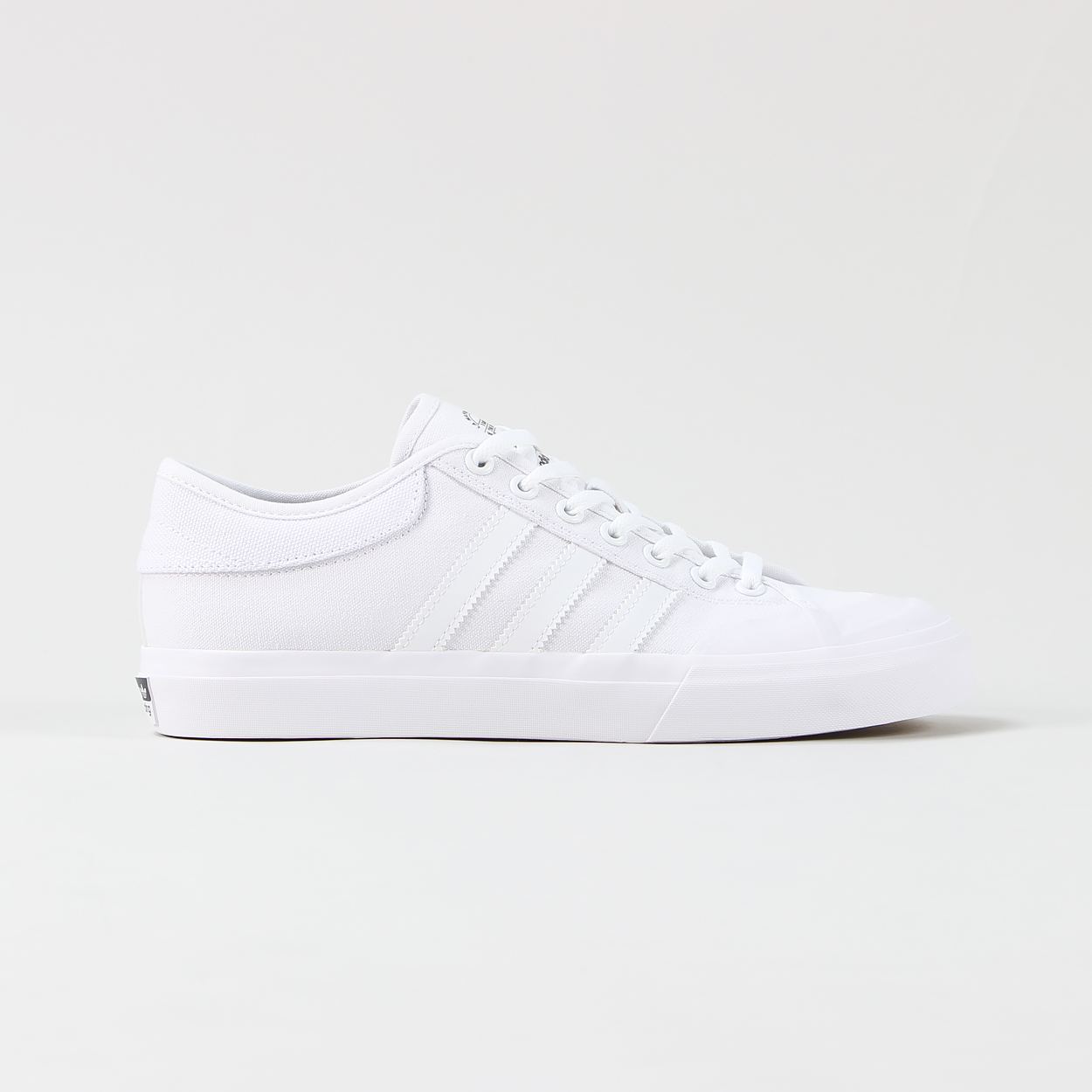 plus récent 833e0 21901 Adidas skateboarding white canvas matchcourt skate shoes ...