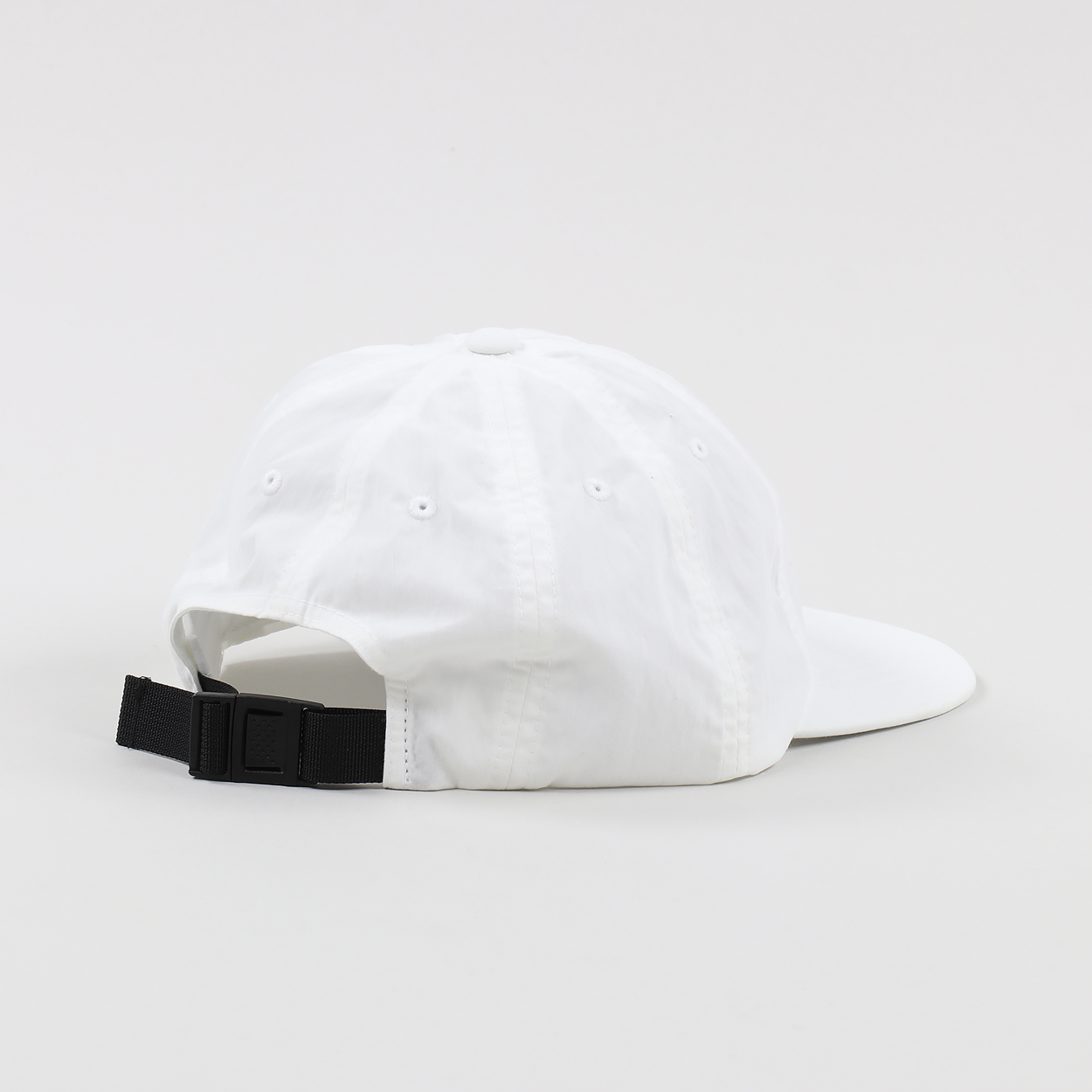 d8ffed42c4d A cap from Carhartt WIP with their Mountain graphic to the front of the  cotton nylon shell which is water-repellent