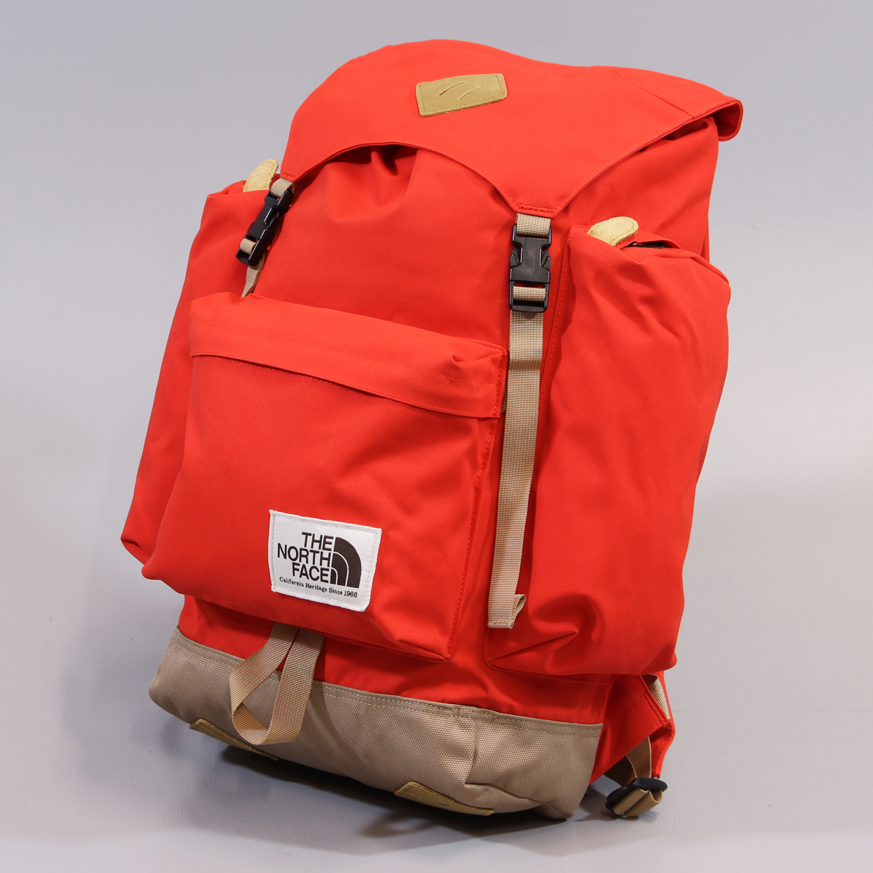best sneakers 9e363 50ccd The North Face Heritage Rucksack Fiery Red Moab Khaki ...