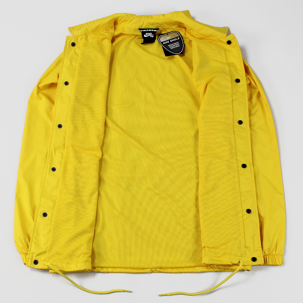 0560a86fa3 A lovely water and wind resistant coaches jacket from our pals at Nike SB