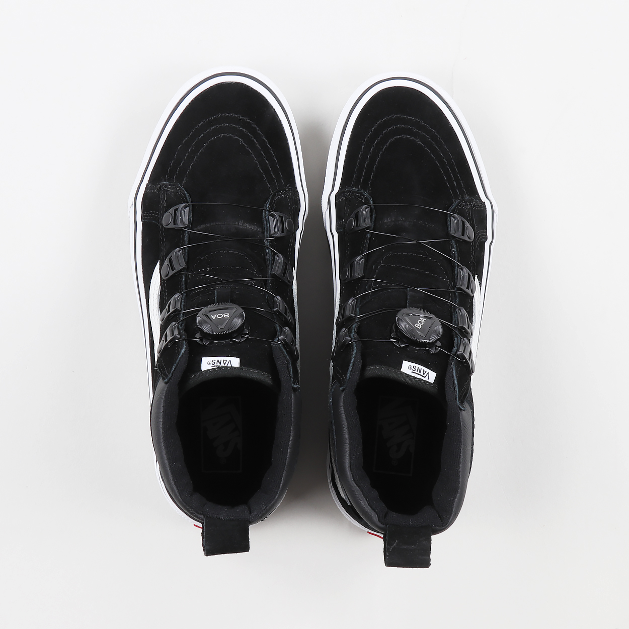c3064f0718 A pair of fresh and innovative trainers from Vans  All Weather MTE range