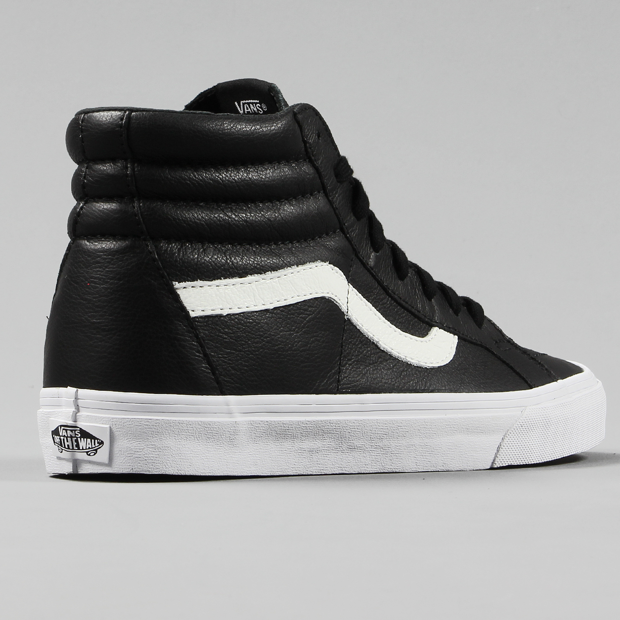 cd7ea67cf6d69b Lace-up high top of the Sk8-Hi Reissue is made from black leather paneling  and based on top of the waffle outsole.
