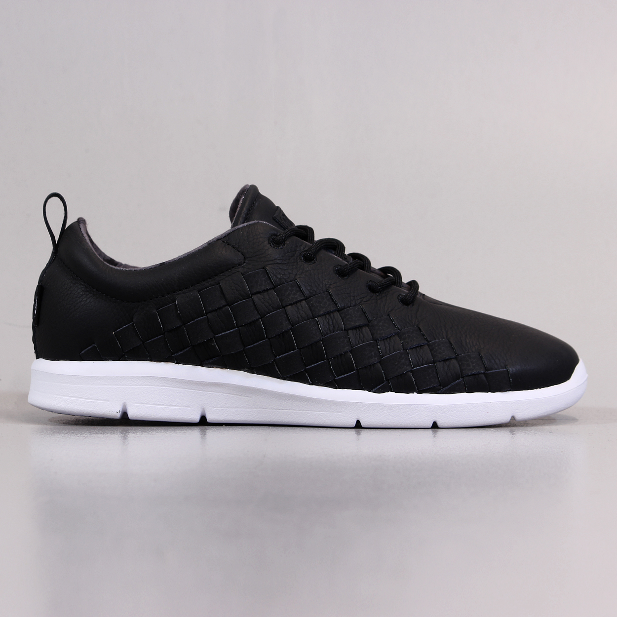 35f6fb9cca Vans Off The Wall Mens Tesella Leather Trainers Black White £56.25