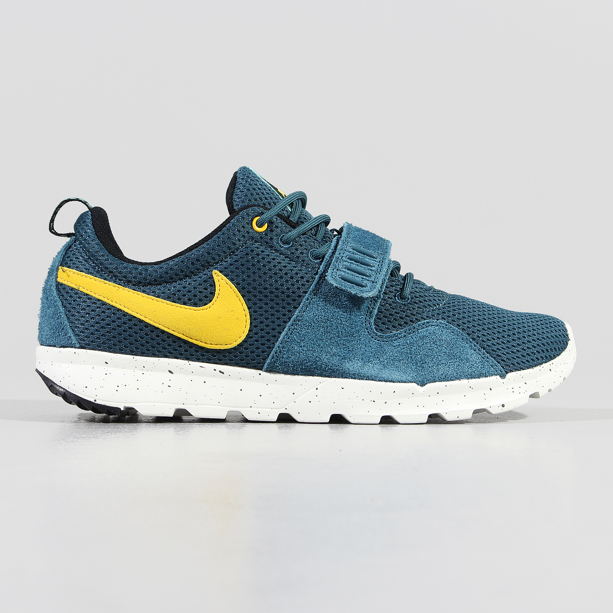best sneakers 944ee aae9a Nike SB Trainerendor Shoes Night Factor Green Varsity Maize Sail £48.38